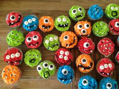 Monster cupcakes with eyeballs, perfect for a first birthday . Monster cupcakes with eyeballs, perfect for a first birthday … Little Monster Birthday, Monster 1st Birthdays, Monster Birthday Parties, First Birthday Parties, First Birthdays, First Birthday Cupcakes, Cupcakes For Boys, Baby Boy First Birthday, Monster Party