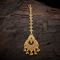 Designer silver temple maang tikka studded spinal ruby green stones, made of pure silver and plated with gold polish! Tika Jewelry, Gold Jewelry, Beaded Jewelry, Indian Wedding Jewelry, Bridal Jewelry, Bridal Accessories, Indian Jewelry, Simple Jewelry, Simple Necklace
