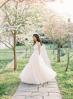 Gorgeous BHLDN dress: Dress: BHLDN - http://www.bhldn.com/ Photography: Michael and Carina Photography - www.michaelandcarina.com Read More on SMP: http://www.stylemepretty.com/2017/06/13/virginia-spring-engagement-session/