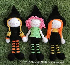 This is an amigurumi crochet pattern to create three witches. A basic knowledge of crochet is required to create the dolls. They are easy to make: you only use single crochet stitches (U.S.) (p.s. In the U.K. single crochet stitches are called double crochet stitches.)