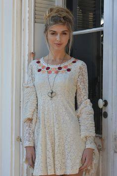 Vive la mariée ! #Wedding #Dress #Lace #Romantique