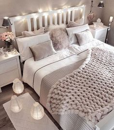 Small bedroom decorating ideas including cozy decor such as faux fur, lots of pillows, blankets, han Cute Bedroom Ideas, Cute Room Decor, Tv Decor, Boho Decor, Dream Bedroom, Home Decor Bedroom, Girls Bedroom, Cozy Small Bedroom Decor, Bedroom Themes
