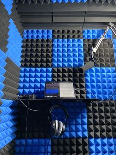Home Recording Studio Setup, Recording Booth, Home Studio Music, Voice Acting, The Voice, Free Music Sites, Pro Book, Partition Design, Gaming Room Setup