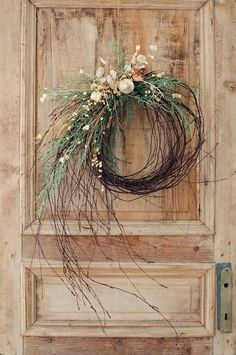 35 Fabulous Winter Wreaths Design Ideas Best For Your Front Door Decor - When most of us think of front door wreaths we think circle, evergreen and Christmas. Wreaths come in all types of materials and shapes. Christmas Wreaths To Make, How To Make Wreaths, Holiday Wreaths, Rustic Christmas, Christmas Crafts, Christmas Decorations, Winter Wreaths, Primitive Christmas, Spring Wreaths