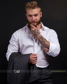 Moustache, Beard No Mustache, Tattoo Skin, Beard Tattoo, Beard Styles For Men, Hair And Beard Styles, Beard Suit, Sexy Tattooed Men, Scruffy Men