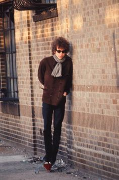 Bob Dylan (outtake from the photo session of Blonde on Blonde, 1966)                                                                                                                                                     More