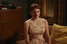 Don and his suits, Betty and her boxy jackets, Peggy and her transformation, Joan sirening above them all: the best styles from seven seasons of Mad Men Mad Men Characters, Elisabeth Moss, Mad Men Fashion, Madison Avenue, Fashion Gallery, Season 2, Jet Set, Cool Style, Summer Dresses