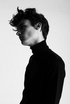 mariusknieling:  new face elvis [louisa models] shot by marius knieling.