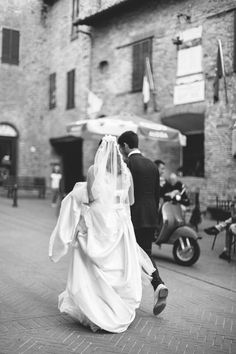 hannah and jonathan marry in umbria, italy - Megan Braemore Photography