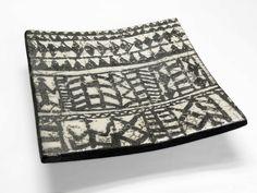 ... in quadratischem Format als Beitrag zur Aktion Kunstraub Nr 6 MusterHäuser, inspiriert von der traditionellen Hauskunst afrikanischer Frauen. ...