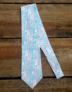 men's necktie fabulous, fun, turquoise and red floral www.kaycehughes.com