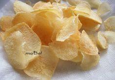 Crispy fried potatoes - Patatas fritas crocantes  http://decoraciondemabel.blogspot.com.es/2013/03/patatas-fritas-como-las-compradas.html