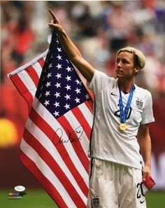 Abby Wambach Signed USA Women's Soccer 16x20 2015 World Cup Flag Photo JSA