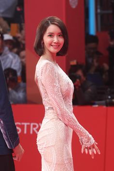 GIRLS GENERATION, the best source for photography, media, news and all things related to the girl group Girls' Generation. Yoona Snsd, Sooyoung, Girls Generation, Asian Woman, Asian Girl, Divas, All American Girl, Kpop Girls, Asian Beauty