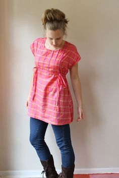 DIY tunic: Made by Rae. Need to make a couple since I gave out all my maternity clothing. Sewing Clothes Women, Diy Clothing, Clothing Patterns, Sewing Patterns, Maternity Sewing, Maternity Fashion, Maternity Clothing, Tunic Pattern, How To Make Clothes