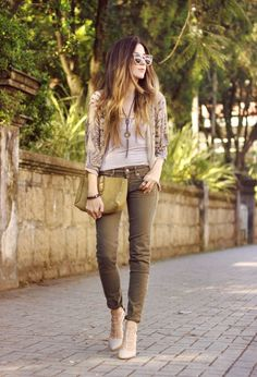 I don't love the color of those pants, nor the style of shoe, but they work with this outfit. I like the top and the necklace