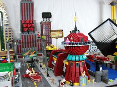 Futurama's New New York | The 21 Coolest Things Ever Made Out Of Lego