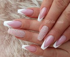 French tip nails are chic, delicate and gorgeous. It is a classic nail art design type, in recent years it has become the trend of nail art design. The history of French tip nails was first used by French models to make them look clean and beautiful. Swarovski Nails, Crystal Nails, French Tip Nail Designs, Nail Art Designs, French Nails, French Tip Acrylic Nails, Fabulous Nails, Gorgeous Nails, Cute Nails