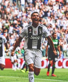 Cristiano Ronaldo Juventus, Juventus Fc, Best Football Players, Football Is Life, Portugal National Team, Men Casual, Casual Outfits, Athlete, Soccer