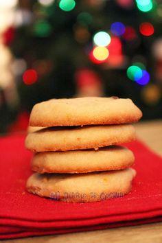 Mi Diario de Cocina | Orange cookies with chocolate chips and light gingerbread cookies | http://www.midiariodecocina.com/en/