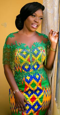 Latest Kente Fabric Styles For Fashionable Ladies - Loud In Naija African Dashiki Dress, Kente Dress, Latest African Fashion Dresses, African Dresses For Women, African Print Wedding Dress, African Wedding Attire, African Attire, Couples African Outfits, African Fashion Traditional