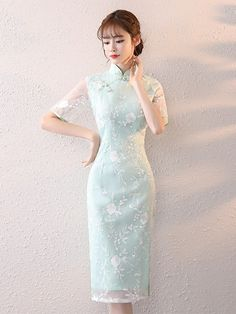 Modest Fashion, Fashion Dresses, Chinese Gown, Mandarin Dress, Asian Style Dress, Body Hugging Dress, Cheongsam Dress, Chinese Clothing, Stunning Dresses