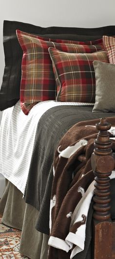 Traditions Linens Rustic Quilts, Rustic Bedding, Linen Bedding, Bed Linens, Closet Bedroom, Bedroom Decor, Bedroom Ideas, Western Bedding Sets, Luxury Cabin