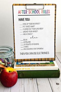After School Rules - print out this sheet and use to help your afternoons run smoother. Give your kids a little guidance to help save frustration for both of you! www.thirtyhandmadedays.com #school #backtoschool #printable #organization