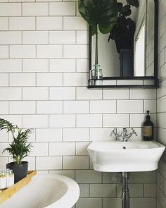white matte tiles with dark grout White Tile Backsplash, White Subway Tiles, Subway Tile Kitchen, Kitchen Backsplash, Black Grout, Grey Grout, Metro Tiles, Ceramic Wall Tiles, Bathroom Trends