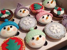 vánoční cupcakes Mini Cupcakes, Desserts, Food, Tailgate Desserts, Deserts, Essen, Postres, Meals, Dessert