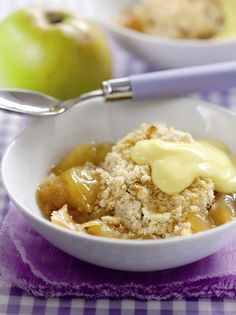 A traditional, fruity Bramley Apple Crumble developed for children by celebrity chef Phil Vickery Apple Desserts, Apple Recipes, Sweet Recipes, Baking Recipes, Delicious Desserts, Yummy Food, Great British Food, Fruit Crumble, Desert Recipes