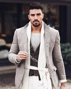The Luxury Lifestyle Agent Modern Gentleman, Gentleman Style, Mustache And Goatee, Star Fashion, Mens Fashion, Luxury Lifestyle Fashion, Lifestyle News, Outfit Combinations, Casual Chic Style