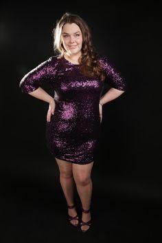 Lila Glitzer-Kleid eng kurz Pailletten   sequins purple lilac glitter bodycon dress party high heels   Plus Size Fashion Outfit