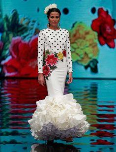 "[gallery link=""none"" size=""full"" Flamenco Costume, Flamenco Skirt, Flamenco Dancers, Retro Fashion, Fashion Show, Spanish Fashion, Edwardian Dress, Ballroom Dress, Spanish Dancer"