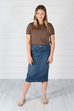 Check out this great offer I got! Outfits Jeans, Skirt Outfits Modest, Modest Skirts, Sporty Outfits, Simple Outfits, Jean Skirts, Denim Skirts, Midi Skirts, Long Skirts