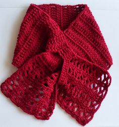 Crochet scarves 105271710017632312 - joselle short keyhole scarf: free pattern Source by mamalouga Bonnet Crochet, Crochet Motifs, Crochet Shawl, Crochet Stitches, Knit Crochet, Crochet Patterns, Scarf Patterns, Sewing Patterns, Crochet Scarves