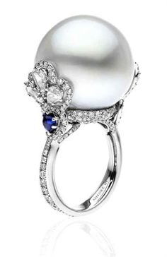 Perle Australiane | Pearl Diamond Sapphire Ring | La Beℓℓe ℳystère