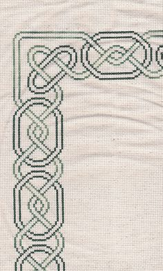 Celtic border, You can cause really specific habits for fabrics with cross stitch. Cross stitch models can almost amaze you. Cross stitch beginners can make the models they want without difficulty. Celtic Border, Celtic Cross Stitch, Tiny Cross Stitch, Cross Stitch Designs, Cross Stitch Patterns, Learn Embroidery, Cross Stitch Embroidery, Embroidery Patterns, Cross Stitch Boarders