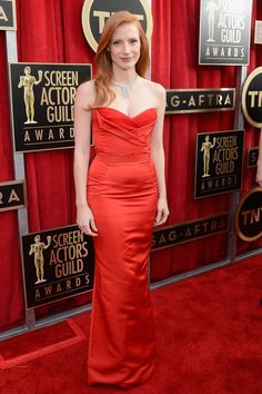 Jessica Chastain in Alexander McQueen (2013) | 30 Of The Most Stunning SAG Award Looks Of All Time