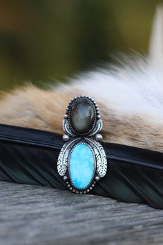 Natural Turquoise Ring. Gold Obsidian Ring. Two Stone Ring. Silver Feather Ring. Ring Size 5.5. Bird Totem Ring. Turquoise Statement Ring.