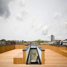 innovative roof terrace house design architeture ideas -- Article ideas / Terrace Ideas For Articles on Best of Modern Design - So many good things! Rooftop Terrace Design, Rooftop Deck, Terrace Ideas, Roof Hatch, Roof Access Hatch, Roofing Options, Green Facade, Flat Roof, Roof Design