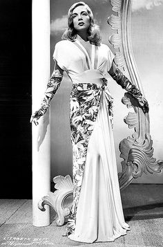 Early publicity still of Lizabeth Scott for You Came Along, 1945 Hollywood Fashion, 1940s Fashion, Vintage Hollywood, Hollywood Glamour, Classic Hollywood, Vintage Fashion, Hollywood Style, Vintage Style, Mature Fashion