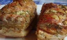 Slănina la cuptor preparată după această rețetă este o minune adevărată, nu am gustat nimic mai bun până acum. Am condimentat cu mai mult usturoi, piper, verdeață și am obținut ceva deosebit de gustos. Dacă sunteți amator de slănină, vă recomand să încercați această rețetă și vă asigur că nu veți regreta! INGREDIENTE: -1 kg de slănină; -200 gr de maioneză; -5 căței de usturoi; -20 gr de mărar; -2 linguri de sare; -1 linguriță de piper negru; -1 lingură de boia; -3 foi de dafin. MOD DE… Bolet, Romanian Food, Baked Pork, Smoked Bacon, Russian Recipes, International Recipes, Diy Food, Fall Recipes, Food To Make