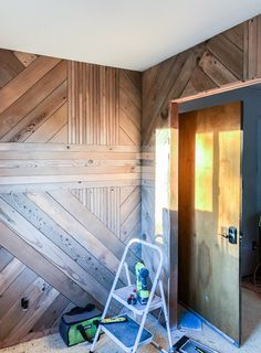 The Basics of Building a Graphic Wood Accent Wall Wood Wall Decor, Wood Wall Art, Wood Walls, Wood Feature Walls, Wall Décor, Wall Design, House Design, Design Design, Accent Wall Bedroom