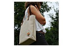 Nude női válltáska Nude shoulder bag #bbag #bőr #bőrtáska #beigebag #leatherbag #leathershoulderbag #leather #bézstáska Bago, Leather Bags, Longchamp, Sling Backpack, Nude, Backpacks, Shoulder Bag, Tote Bag, Fashion