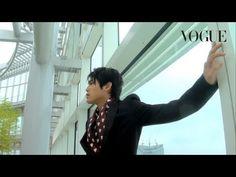 内田篤人、2度目のファッション撮影!_Vogue Japan - YouTube