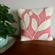 Rug Hooking Designs, Punch Needle Patterns, Punch Art, Blush Pink, Blush Rosa, Hand Embroidery, Weaving, Crafty, Pillows