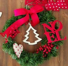 Ghirlanda natalizia Christmas Time, Christmas Wreaths, Xmas, Holiday Decor, Blog, Home Decor, Decoration Home, Room Decor, Christmas