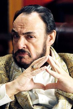 """John Rhys-Davies as Viscount Mabrey 