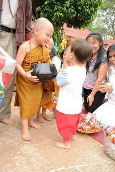 Dos niños, sin duda. A cuántos protegerá Budha?
